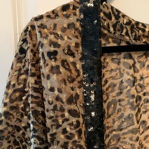 Beautiful cheetah sequence Kimono